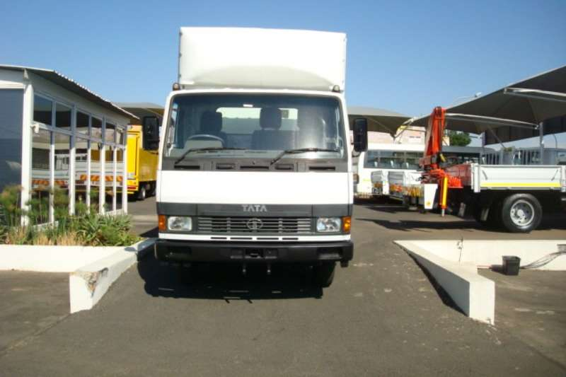 Tata Volume body TATA LPT 713 4 TON VOLUME BODY WITH RATCLIFF LIFT Truck