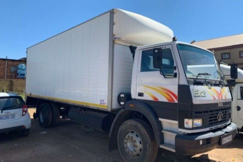 Tata Truck Volume body USED   TATA 1518 Volume Van Body 2015