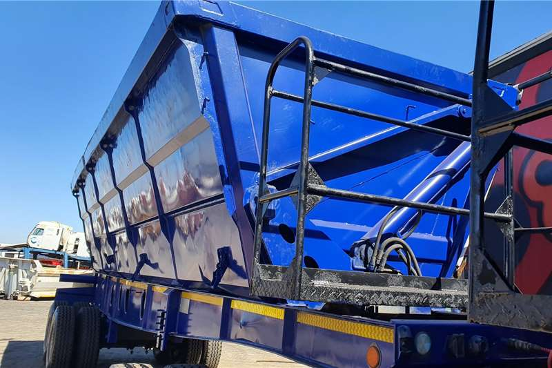 2013 Top Trailer  TOP TRAILER 45CUBE SIDE TIPPER