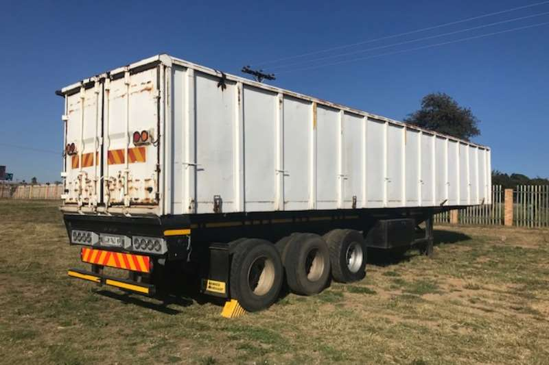 Top Trailer Trailers Box body USED 2002