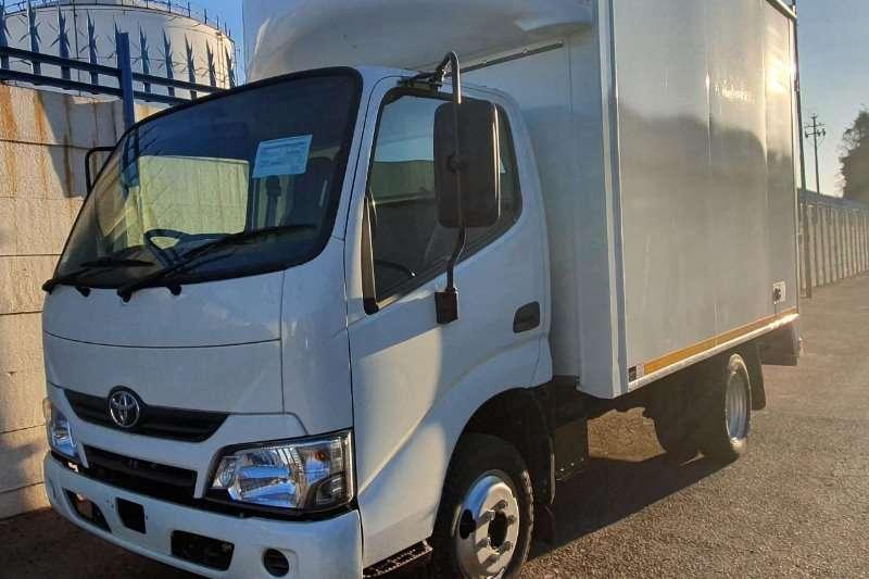 Toyota Box trucks Toyota Dyna 150 2020