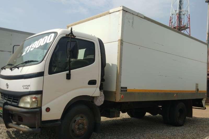 Toyota TOYOTA DYNA 7145  R199000 Box trucks