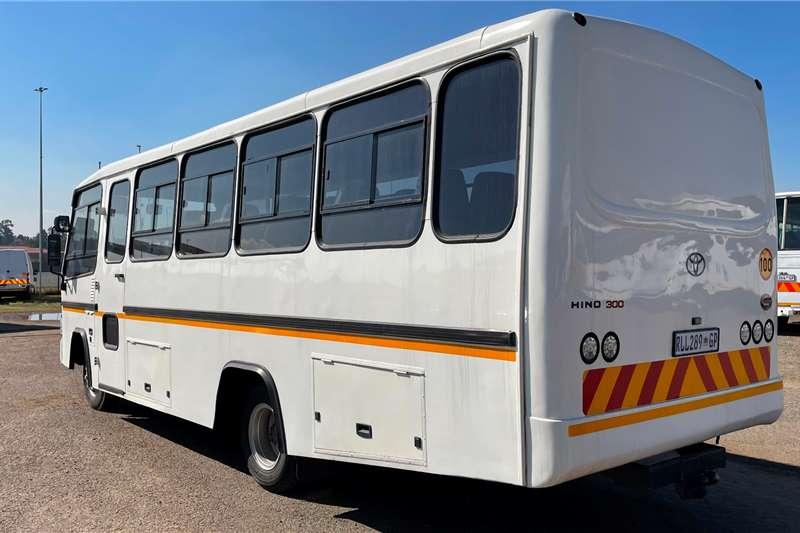 Toyota 32 seater TOYOTA HINO 300 915 BUSMARK 2000 (30 SEATER) Buses