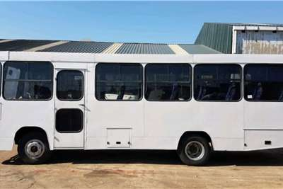 Toyota Dyna 7145 32 Seater Bus 4.0L Diesel 5 speed Buses