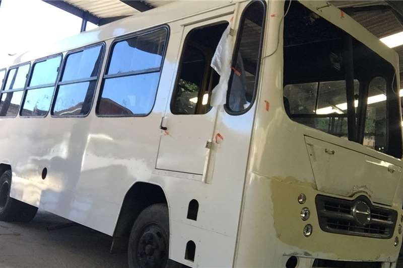 Toyota Buses Dyna/Hino   4.0L diesel 32seater