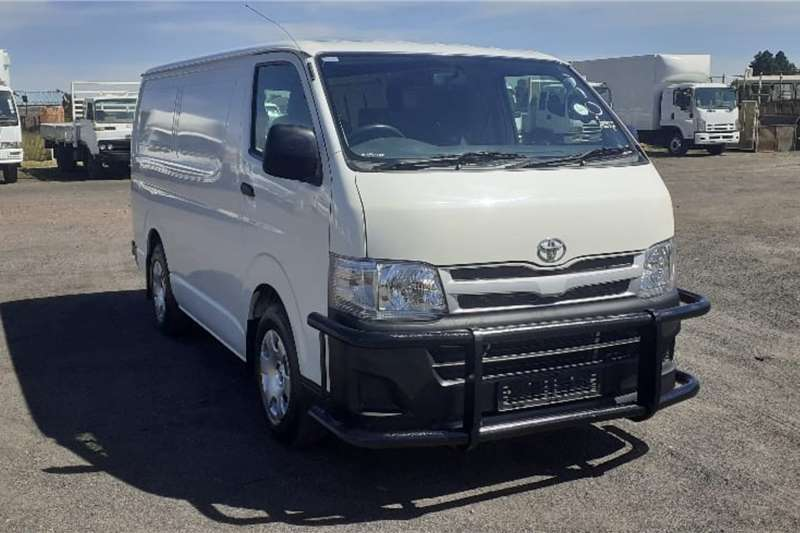 Toyota Buses TOYOTA QUANTUM 2.7 SWB PANEL VAN 2013