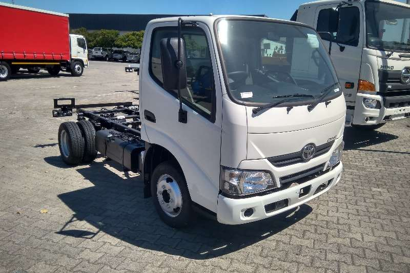 Toyota Dyna Chassis cab trucks