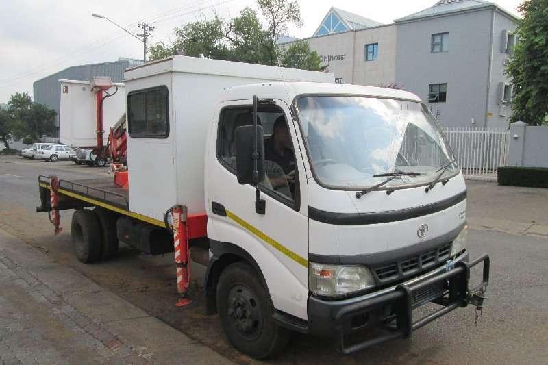 Toyota Cherry picker trucks Dyna 7 145 2009