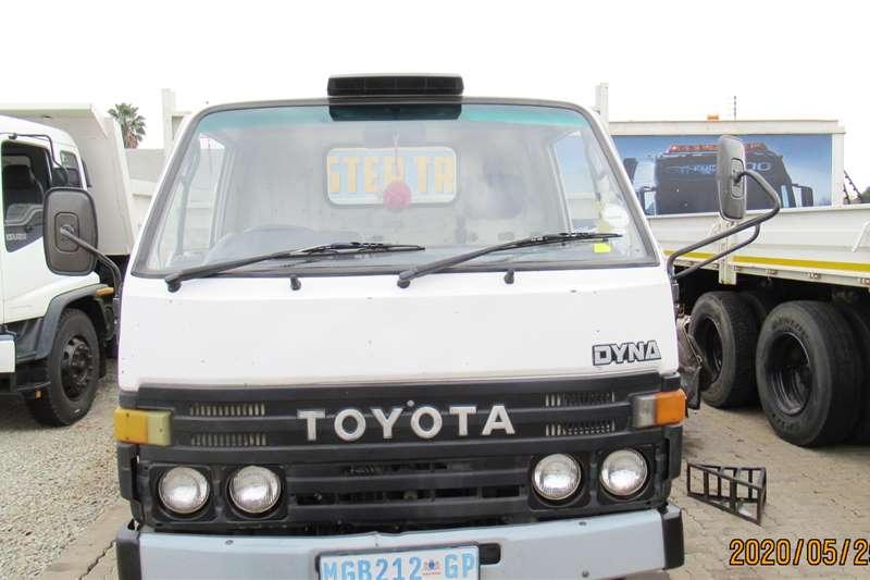 Toyota Dropside trucks Dyna 6 104 1994
