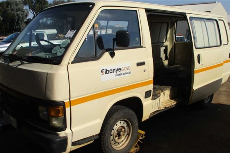 Toyota LDVs & panel vans 2.2 Litre, 3 Seater Minibus