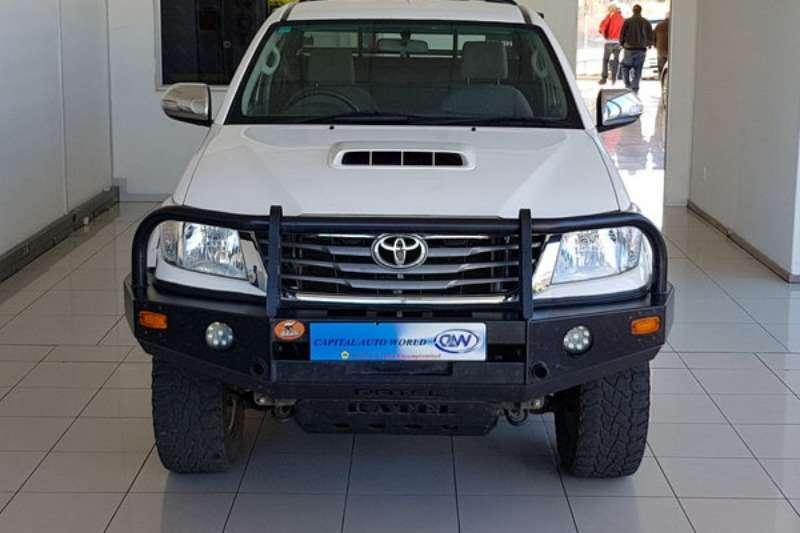 Toyota LDVs & panel vans HILUX 2012