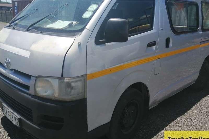 Toyota Quantum 2.7L 10 Seater Minibus LDVs & panel vans
