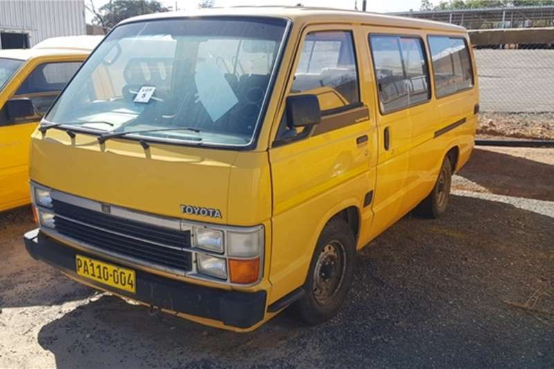 Toyota LDVs & panel vans Toyota Hiace Super 16 Bus 1999