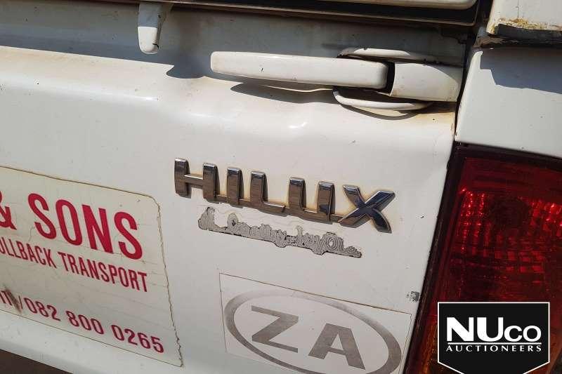 Toyota TOYOTA HILUX D4D SINGLE CAB LDV WITH CANOPY LDVs