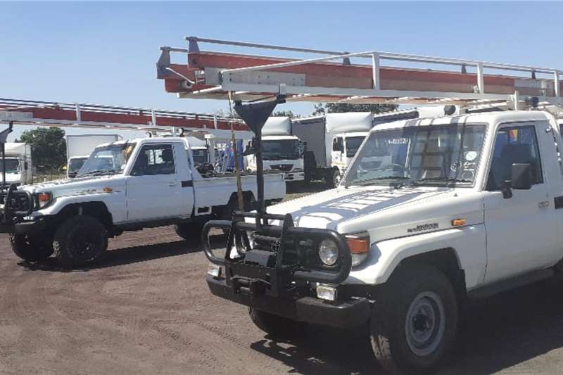 Toyota LDVs & panel vans TOYOTA LANDCRUISER 4.2 PETROL PICKUP BAKKIE 2002
