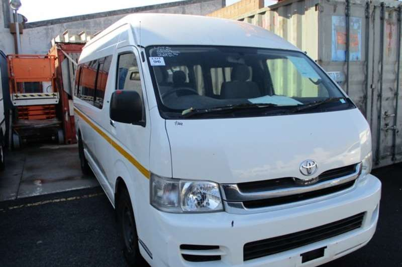 Toyota LDVs & panel vans Toyota Quantum 2.7 14 Seater Mini Bus 2010