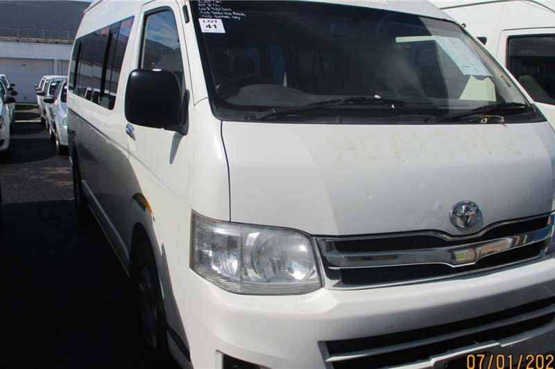 Toyota LDVs & panel vans Toyota Quantum 2.7 14 Seater Minibus 2013