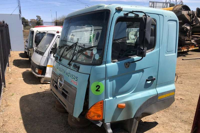 Toyota Toyota Hino 700 Cab Only