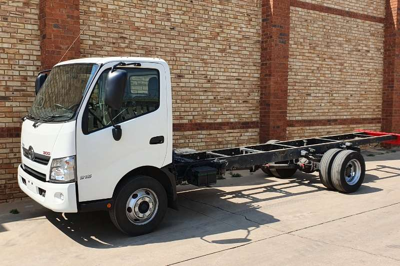 Toyota Truck Chassis cab HINO 300,814,4 TON CHASSIS CAB,CHOICE OF BODIES 2017