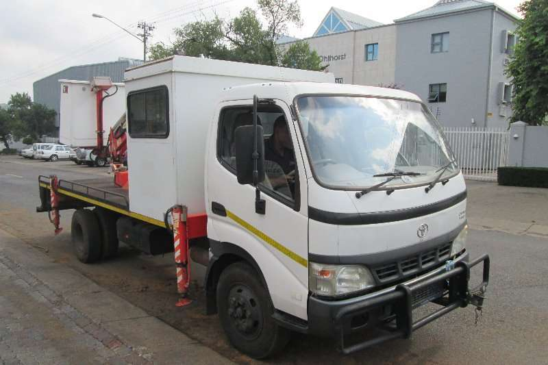 Toyota Truck Cherry picker Dyna 7 145 2009