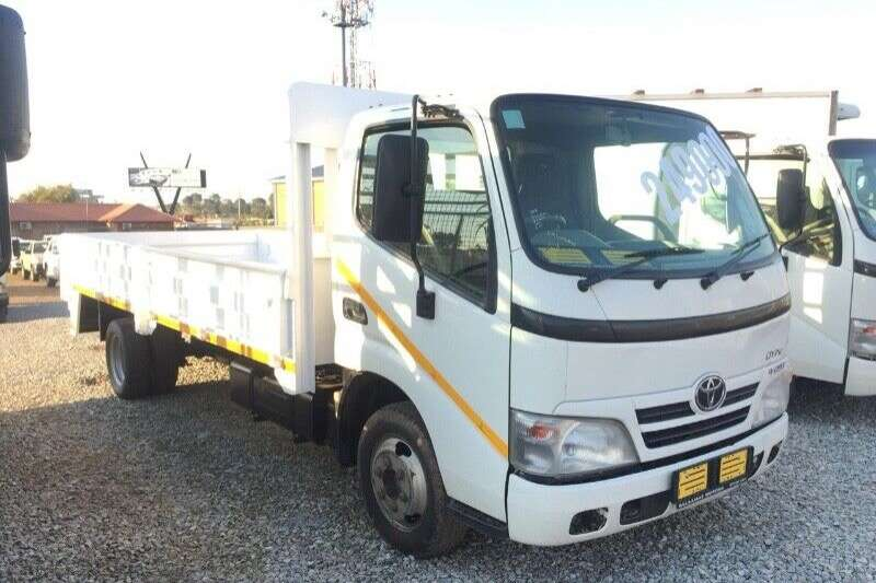 Toyota Truck Dropside 2013 TOYOTA DYNA 4093 6 METERS R219000 2013
