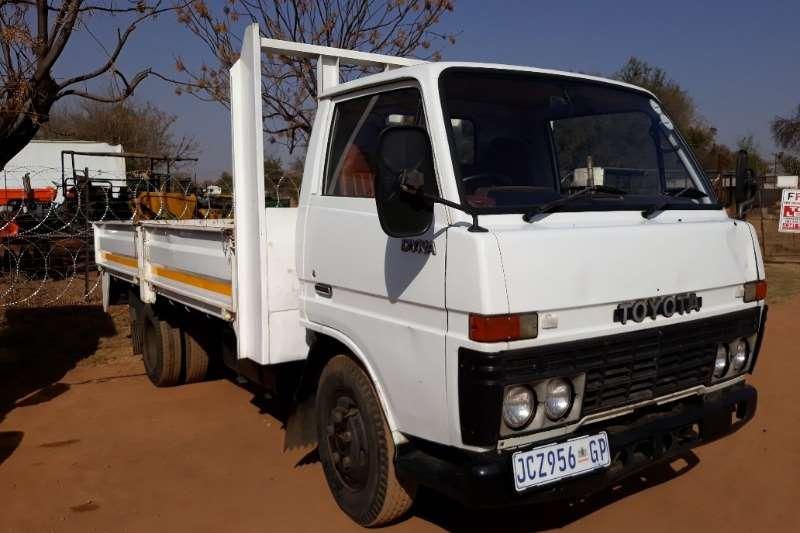 Toyota Truck Dropside TOYOTA DYNA 3.5 DROP SIDE 1998