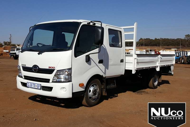 Toyota Truck Dropside TOYOTA HINO 300 DROPSIDE CREW CAB