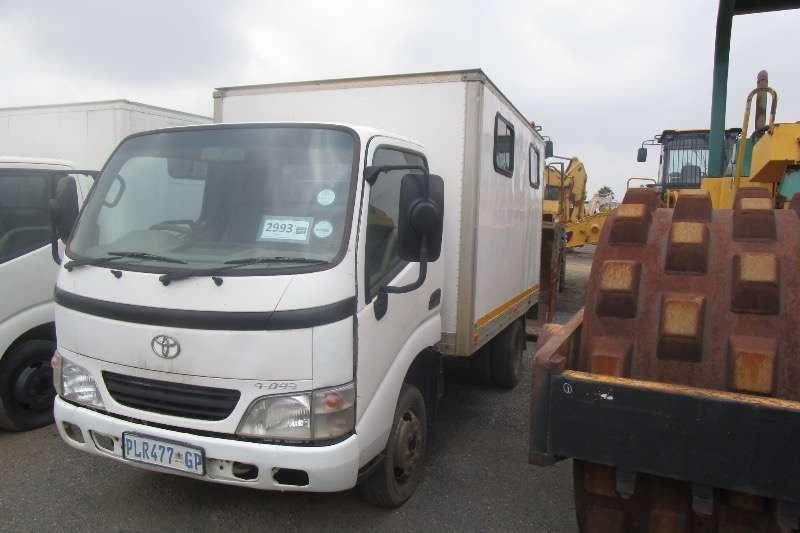 Toyota Truck Dyna 150 2003
