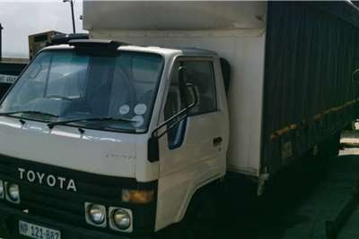 Toyota Dyna 2.5 Ton Tautliner Truck