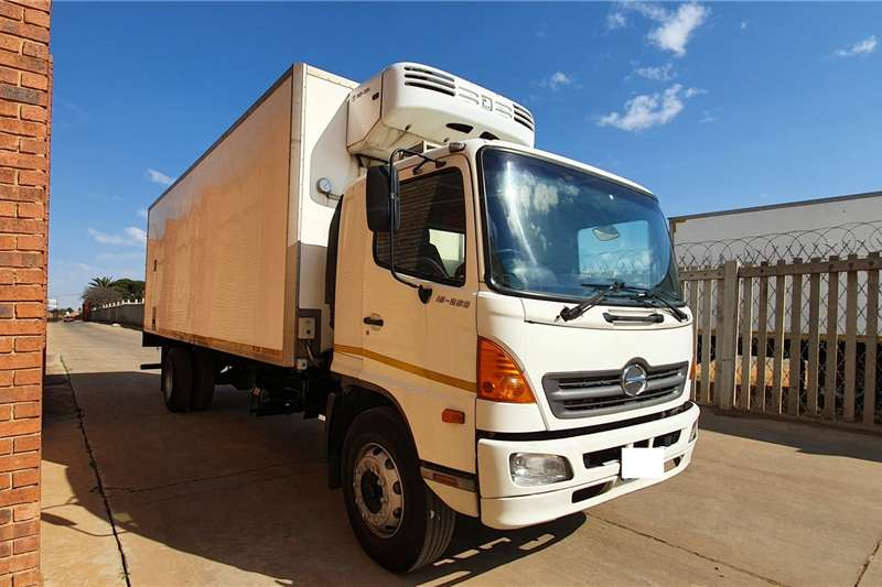 Toyota Truck HINO 500,15 258,8 TON,WITH 7.5m REFRIGERATED BODY 2007