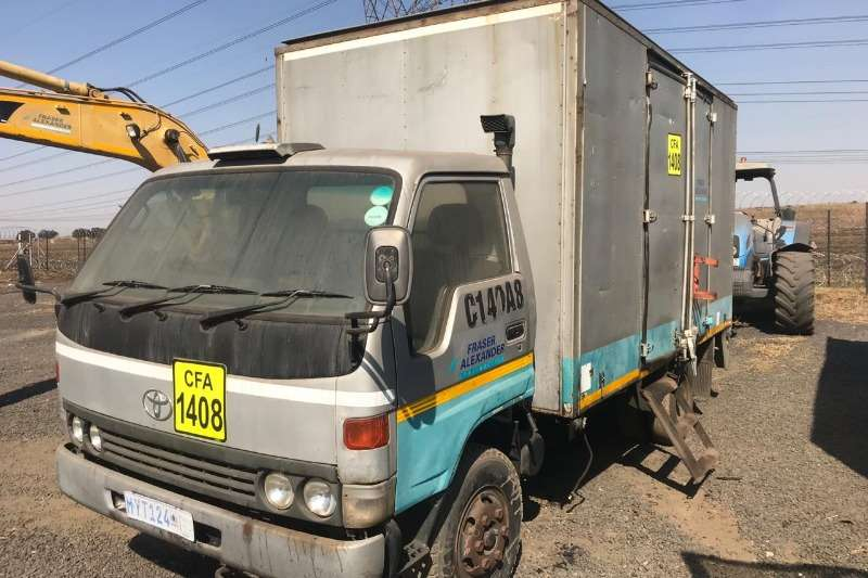 Toyota Truck Other TOYOTA DYNA 4 TON SERVICE TRUCK 1984