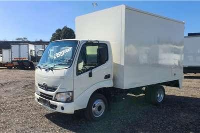 Toyota TOYOTA DYNA 150 VAN BODY Truck