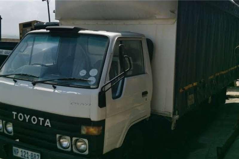Toyota Toyota Dyna 2.5 ton freighter Truck