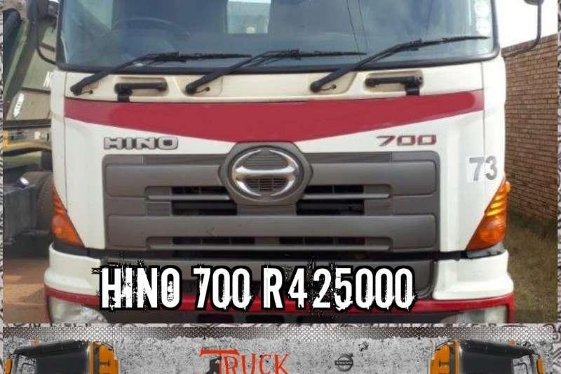 Toyota Truck Toyota Hino 700 2010 2010