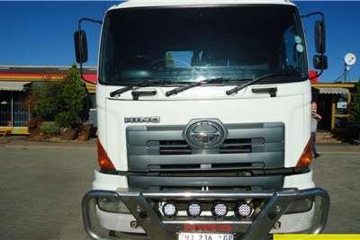 Toyota Hino 700 57.450 6x4 Horse Truck tractors