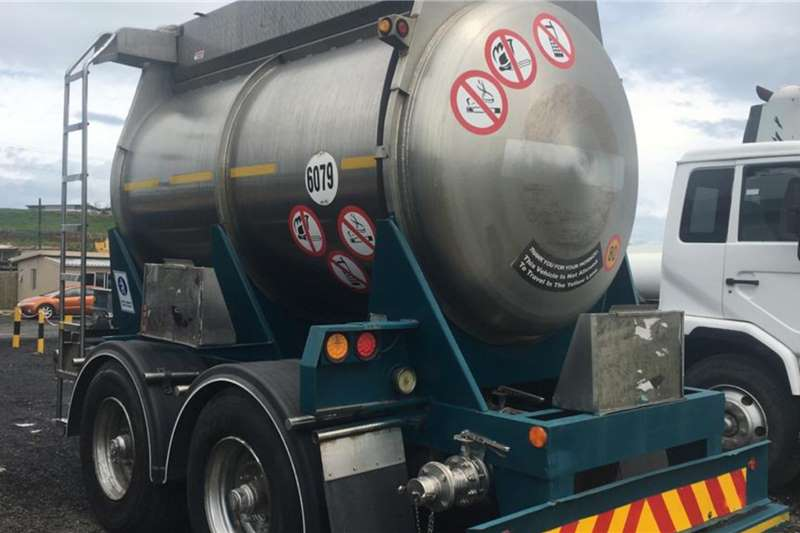Trailers Various Cladded Stainless Steel Pup Tanker Trailer