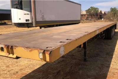 16m Flatdeck Tri axle Trailer Truck