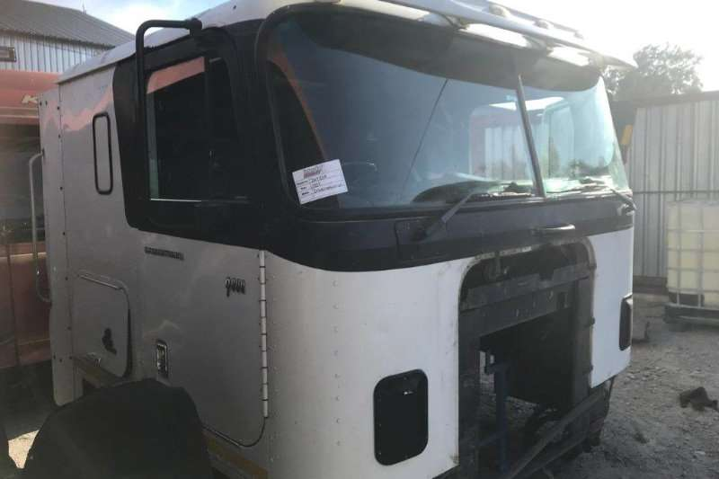 Truck accessories 2007 International 9800i Manual Cab Only 2007