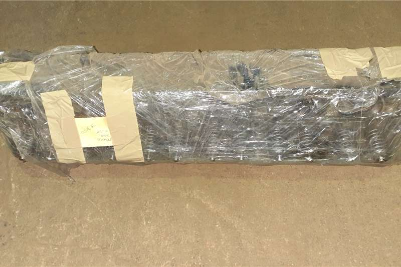 ADE 352 Cylinder Head Reconditioned Truck spares and parts