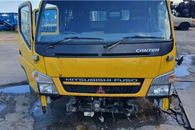 Cab MITSUBISHI FUSO CANTER CREW CAB Truck spares and parts