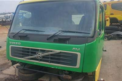 Cab VOLVO FM12 V2 SLEEPER CAB Truck spares and parts