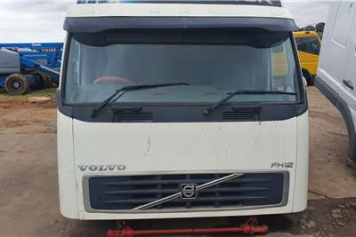 Cab VOLVO V2 GLOBETROTTER CAB Truck spares and parts