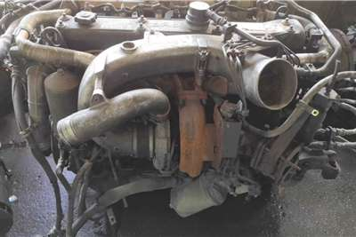 Engines ISUZU 6SD1 COMPLETE ENGINE Truck spares and parts