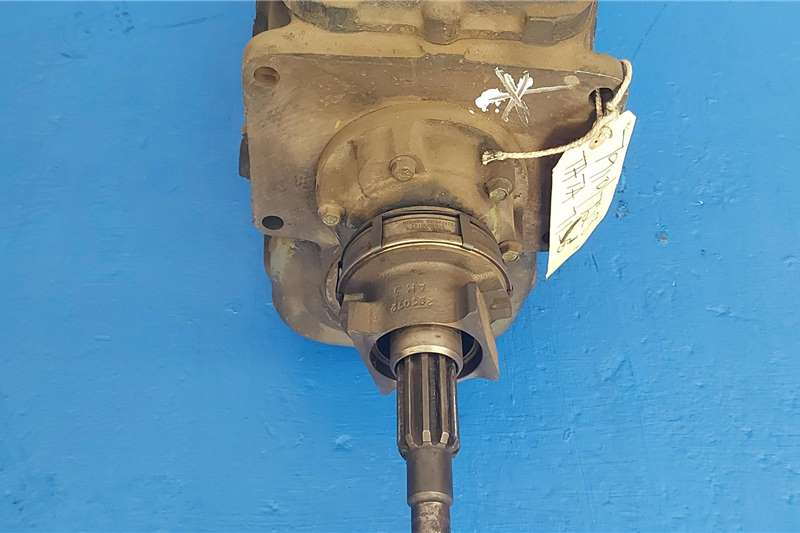 Gearboxes Tata 713s Gearbox Truck spares and parts