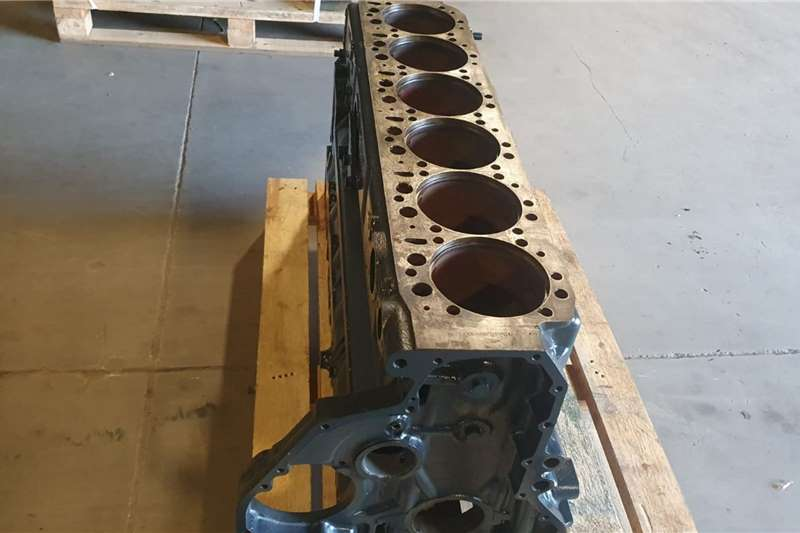 MAN D2876 F2000 LF17 BLOCK Truck spares and parts