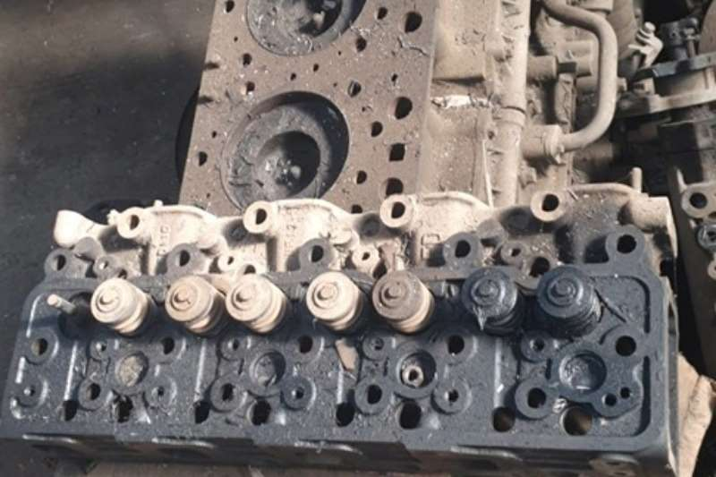 Truck spares Engines