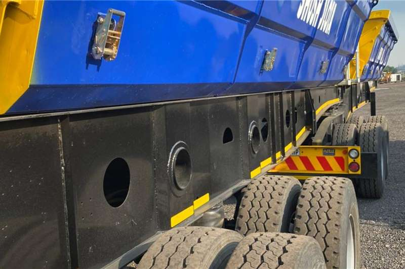 Tipper 40 cube afrit side tippers Truck