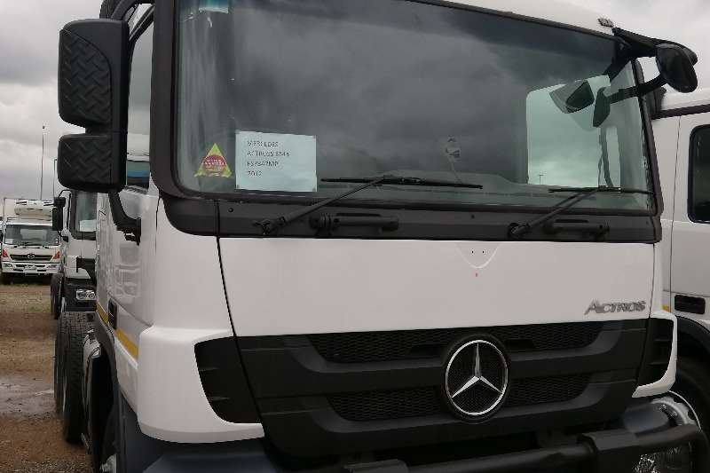 Truck-Tractor Single axle Actros 2012