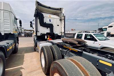 Double axle X2 SCANIA R 420 6 X 4 T/T Truck tractors
