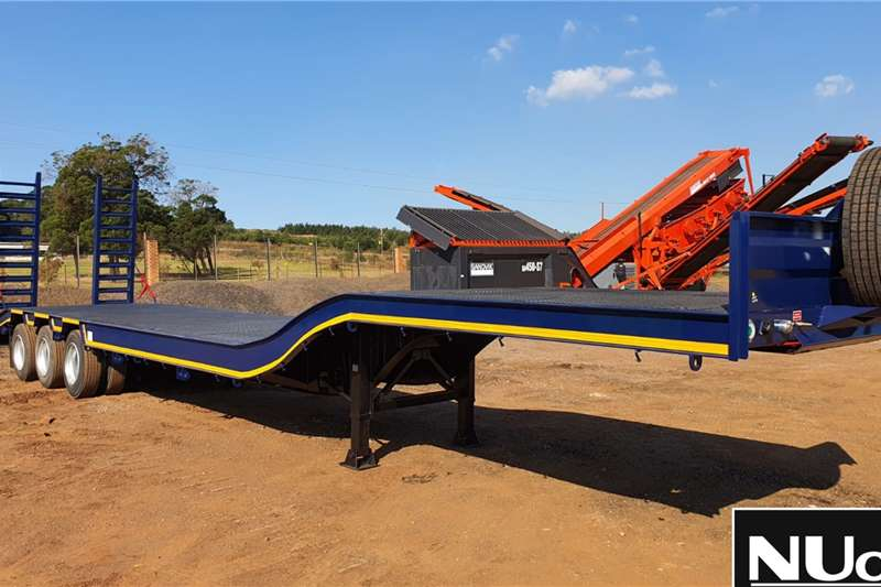 UBT Trailers UBT Tri Axle Semi Stepdeck Lowbed with Ramps 2020